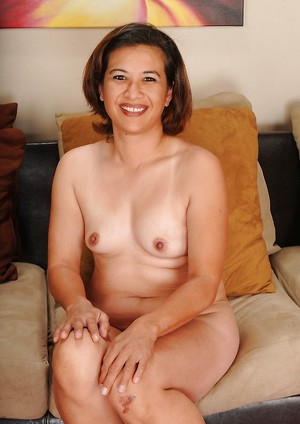 Brunette Mature Pictures