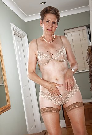 Granny Mature Pictures