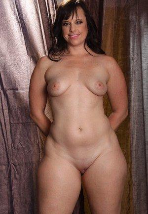 Brunette Mature Pictures